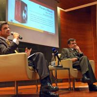 """30 anos de escrita e 20 obras em """"Pensar o Mundo"""" de Manuel Maria Carrilho"""
