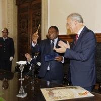 Presidente da República de Moçambique recebeu chave de honra de Viseu