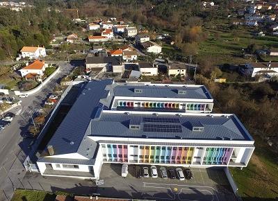 Instalados painéis solares em cinco escolas de Viseu