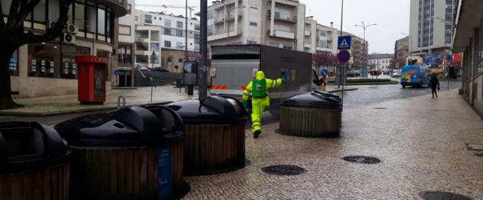 Desinfeção de contentores e de ecopontos no Planalto Beirão