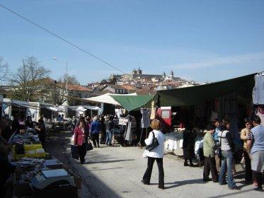 Feira semanal de Viseu reabre com venda de plantações e árvores