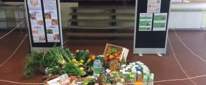 Roda solidária dos alimentos na Secundária Viriato
